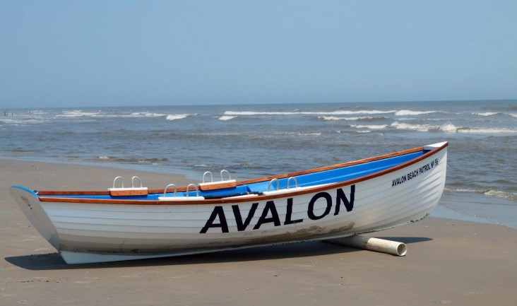 avalon boat picture on sand